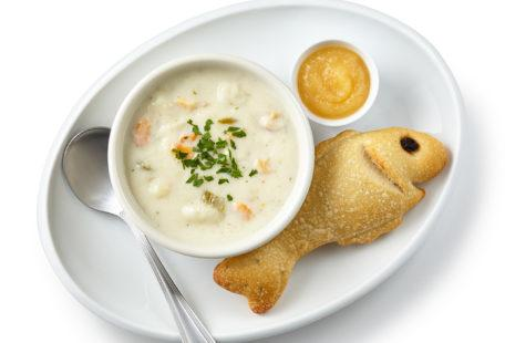 Kids clam chowder with sourdough fish bread and applesauce